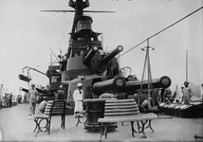 310px-Deck_scene_aboard_Minas_Geraes