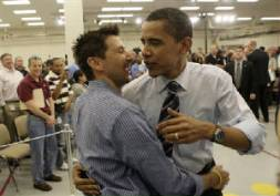 obama-gay-hug