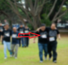 three-legged-race-blurred-2