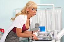 sexy-dental-assistant-e1366913219278